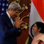 ژست های جان کری وزیر امور خارجه آمریکا در دیدار با همتای هندی