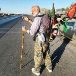 شهروند ۶۰ ساله فریدونکناری برای پنجمین بار از شهر خود تا کربلا را پیاده سیر می کند