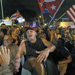 شادمانی ضد انقلاب های کوبایی از مرگ کاسترو(+عکس)