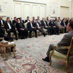 در دیدار عیدانه با جمعی از مدیران اجرایی؛ روحانی: تولیدکنندگان داخلی کالاهای باکیفیت و قیمت رقابتی تولید کنند