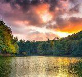 چورت، تابلوی خلاقیت طبیعت در قاب دریاچه
